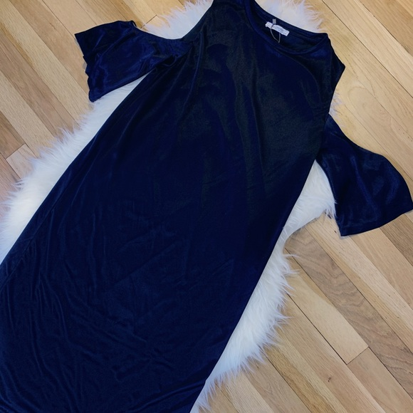 Zara Dresses & Skirts - NWT Zara Black Dress with Cut-out Shoulders